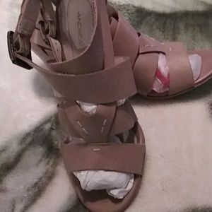Ladies Andres heels
